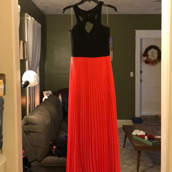 c730f1dc530 Criss cross front maxi dress. NWT. Crystal Doll